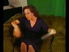 Порно онлайн групповуха Винтаж - рыжая мама делает молодой человек